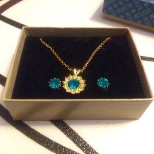 Goldtone teal color necklace& earring set
